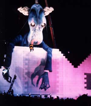 1990-pink-floyd-the-wall